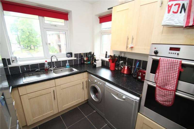 1 Bedroom Apartment Flat for sale in STONEGATE FARM CLOSE, LEEDS, LS7 2PQ