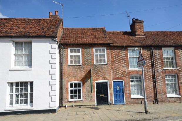 2 Bedrooms Terraced House for sale in High Street, Theale, Reading