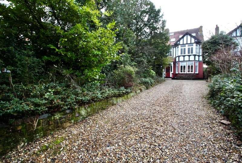6 Bedrooms Semi Detached House for sale in Church Lane, Cheshunt, EN8 0EA