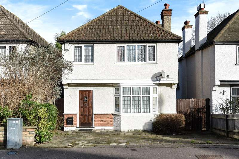 3 Bedrooms Detached House for sale in Brookdene Avenue, Oxhey Hall, WD19