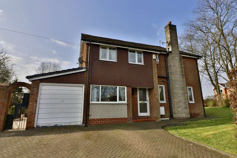 4 Bedrooms Detached House for sale in Bramhall Close, Milnrow, Lancashire, OL16