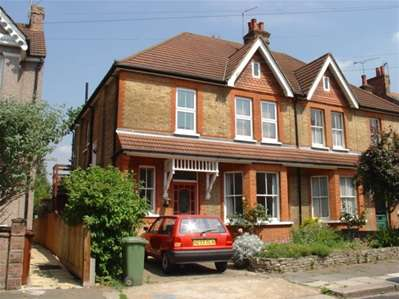 2 Bedrooms Maisonette Flat for sale in Longley Road, Harrow