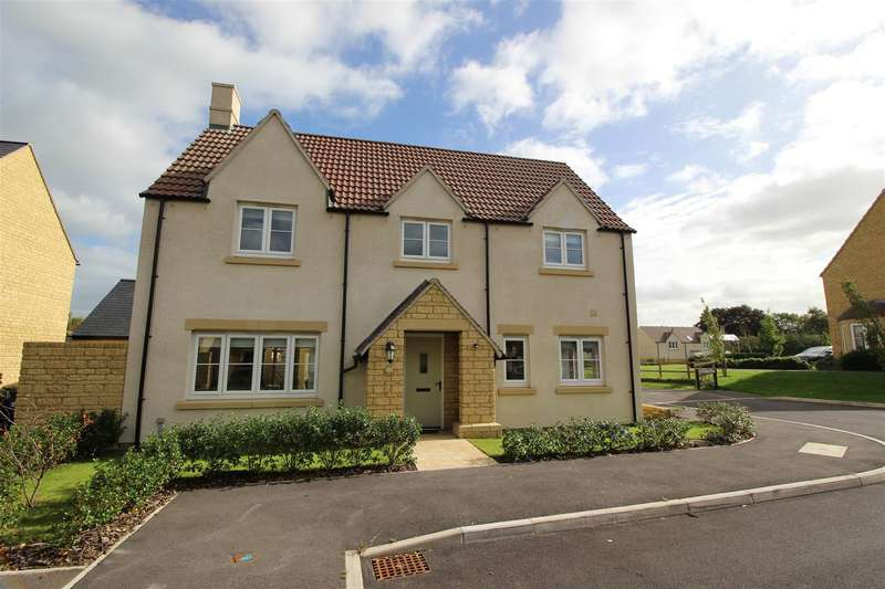4 Bedrooms Detached House for sale in Barrington Court, Sutton Benger, Chippenham