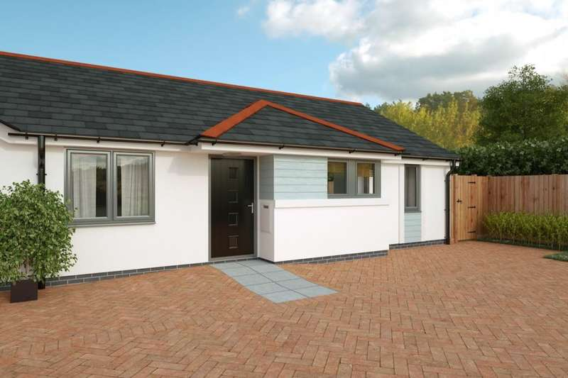 2 Bedrooms Semi Detached Bungalow for sale in Tremeadow Rise, Trewoon, St. Austell, PL25