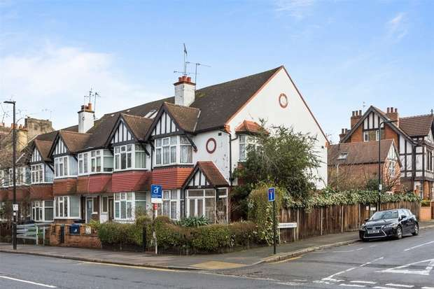 4 Bedrooms End Of Terrace House for sale in Horn Lane, Acton