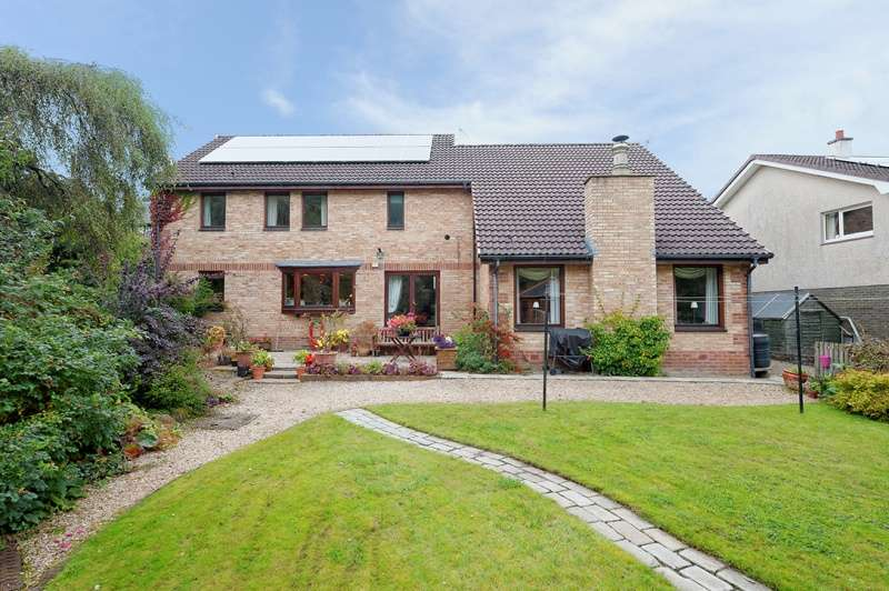 4 Bedrooms Detached House for sale in New Trows Road, Lesmahagow, South Lanarkshire, ML11 0EW