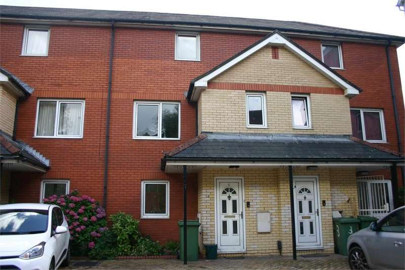 2 Bedrooms Maisonette Flat for sale in 4 Gelliwastad Court, Library Road, Pontypridd, CF37 2BT