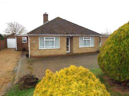 3 Bedrooms Bungalow for sale in Downham Market, Norfolk