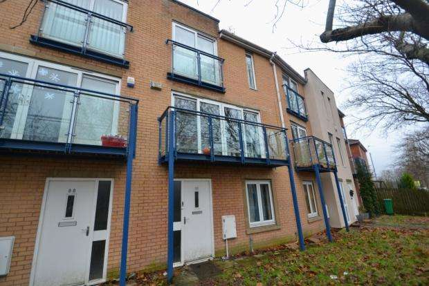 4 Bedrooms Terraced House for rent in Royce Road Hulme, M15 5La Manchester M15 5La