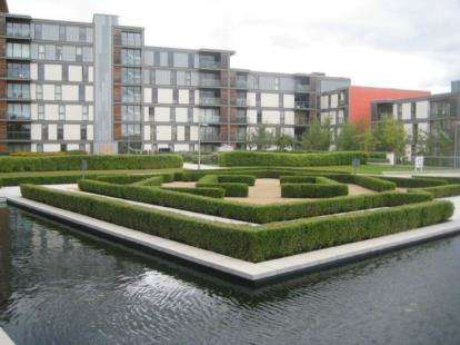 2 Bedrooms Flat for sale in Sapphire House, 315 South Row, Milton Keynes