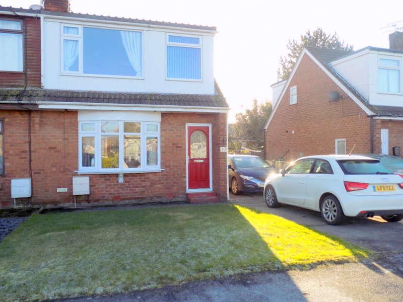 3 Bedrooms Property for sale in Grasmere Road, Knott End, FY6 0DW
