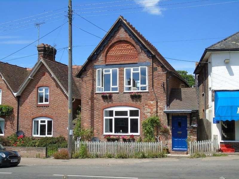 4 Bedrooms End Of Terrace House for sale in Horsted Keynes, West Sussex