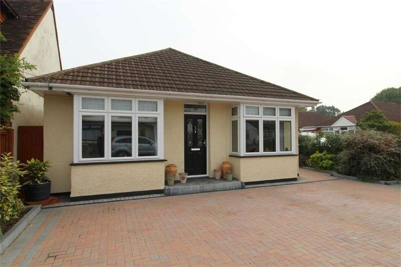2 Bedrooms Detached Bungalow for rent in Chalmers Road, Ashford, TW15