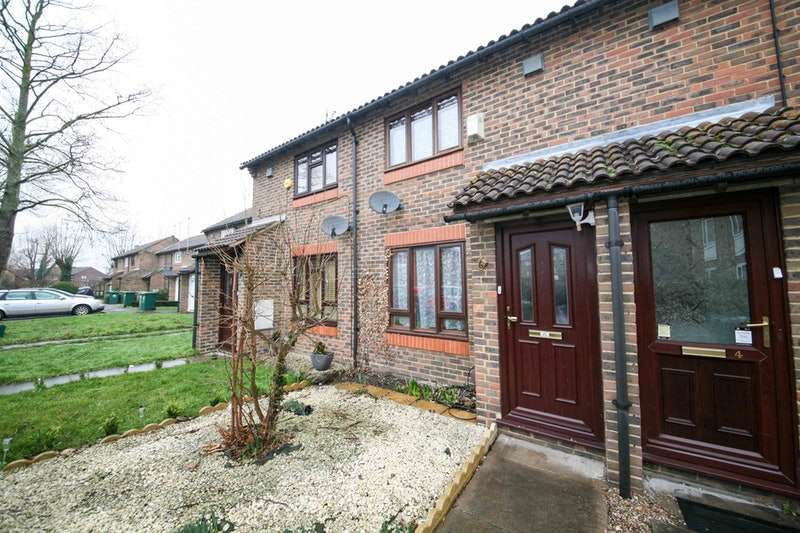 1 Bedroom Terraced House for sale in Douglas Road, Staines-upon-Thames, Surrey, TW19