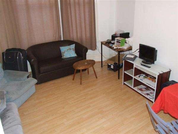 3 Bedrooms Apartment Flat for rent in Roundhill Crescent, Brighton