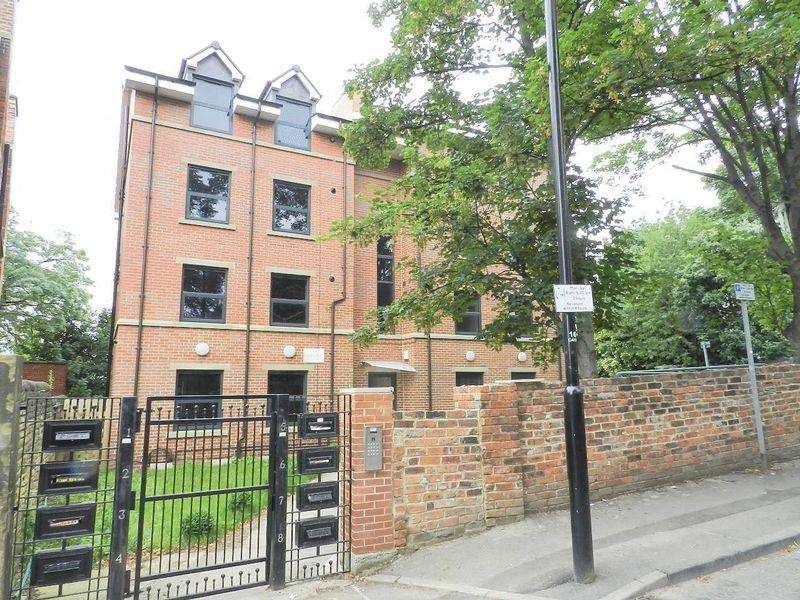 2 Bedrooms Apartment Flat for sale in 65 Clarendon Road , Leeds 2
