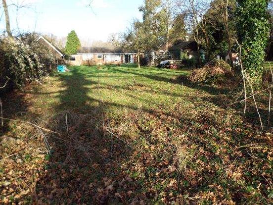 3 Bedrooms Bungalow for sale in Bisley, Woking, Surrey