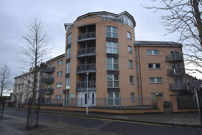 2 Bedrooms Apartment Flat for sale in Roughley House, Birkenhead