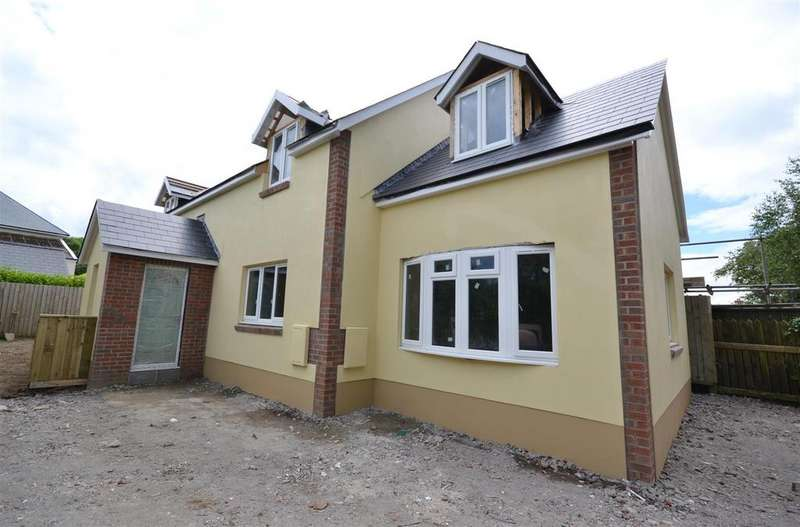 3 Bedrooms Detached House for sale in Letterston