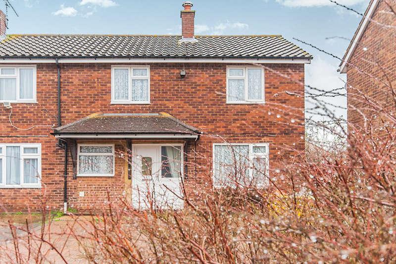 3 Bedrooms Property for rent in Hengrove Crescent, Ashford, TW15