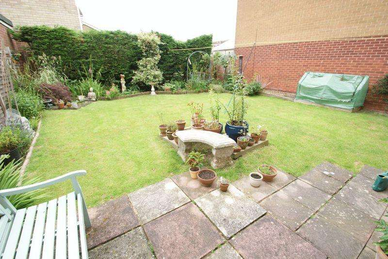 3 Bedrooms Semi Detached House for sale in Debruse Avenue TS15 9QL