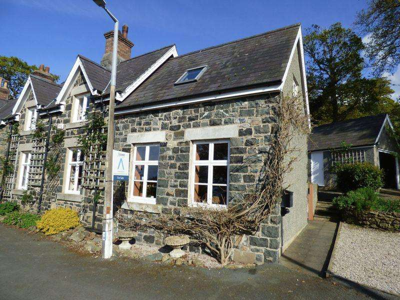 4 Bedrooms Detached House for sale in 2 Nyth Clyd, Penmaen Park, Llanfairfechan