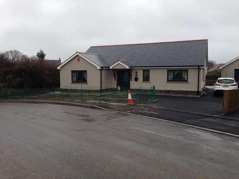 3 Bedrooms Detached Bungalow for sale in Bancffosfelen, Llanelli