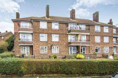 1 Bedroom Flat for sale in Redcar Road, Harold Hill, Romford
