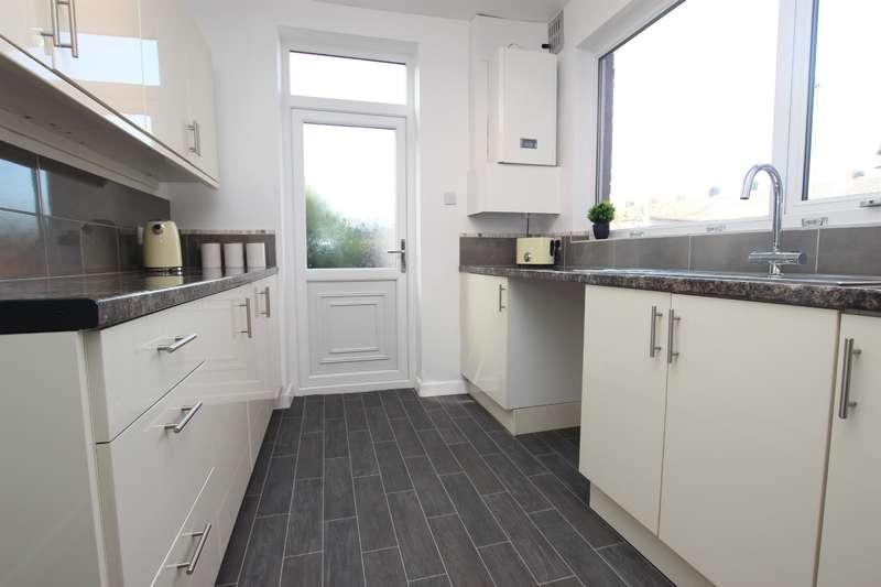 3 Bedrooms Terraced House for sale in Blackburn Road Darwen BB3 0AG