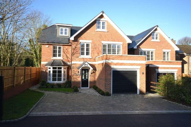5 Bedrooms Detached House for sale in Weybridge