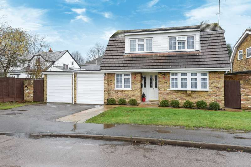 3 Bedrooms Detached House for sale in Grovelands Avenue, WINNERSH, RG41