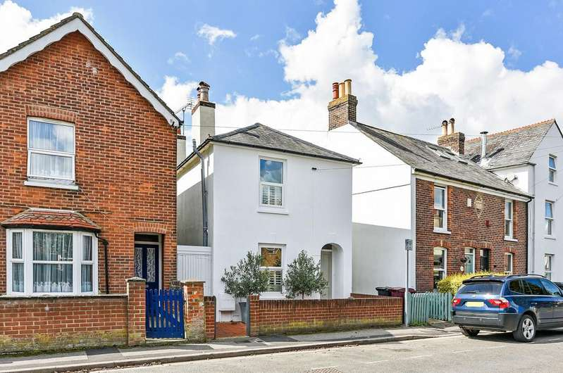 3 Bedrooms Cottage House for sale in Green Lane, Chichester