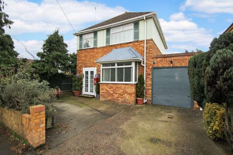 3 Bedrooms Detached House for sale in Fordbridge Road, Ashford, TW15