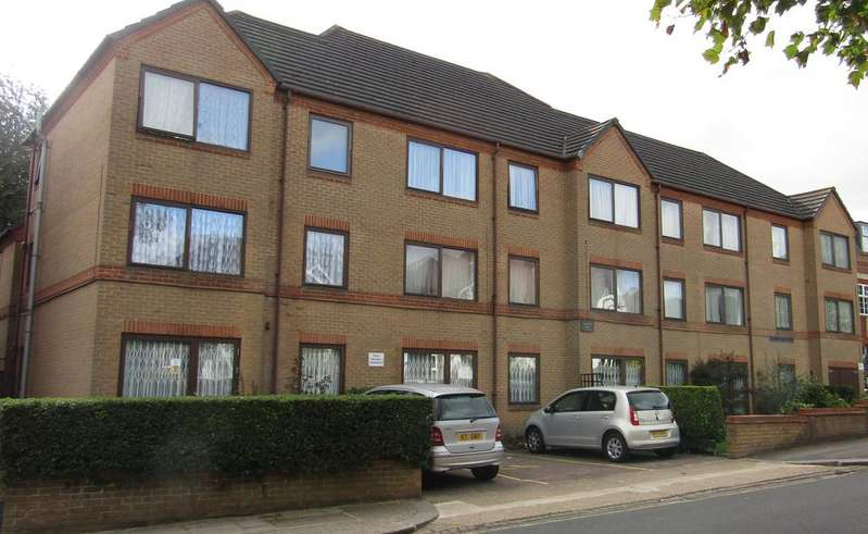 1 Bedroom Retirement Property for sale in Lychgate Court, Friern Park, North Finchley, London N12