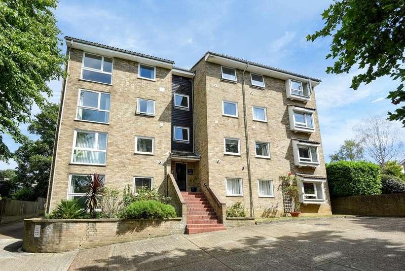 2 Bedrooms Flat for sale in Foxgrove Road Beckenham BR3