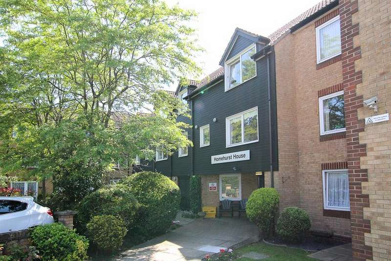 1 Bedroom Retirement Property for sale in Sawyers Hall Lane, Brentwood