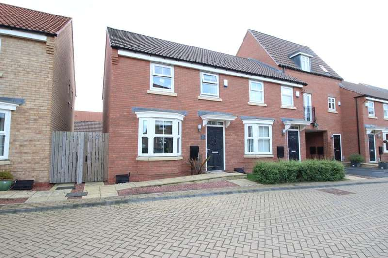 3 Bedrooms Semi Detached House for sale in Greenwich Park, Kingswood, Hull, HU7