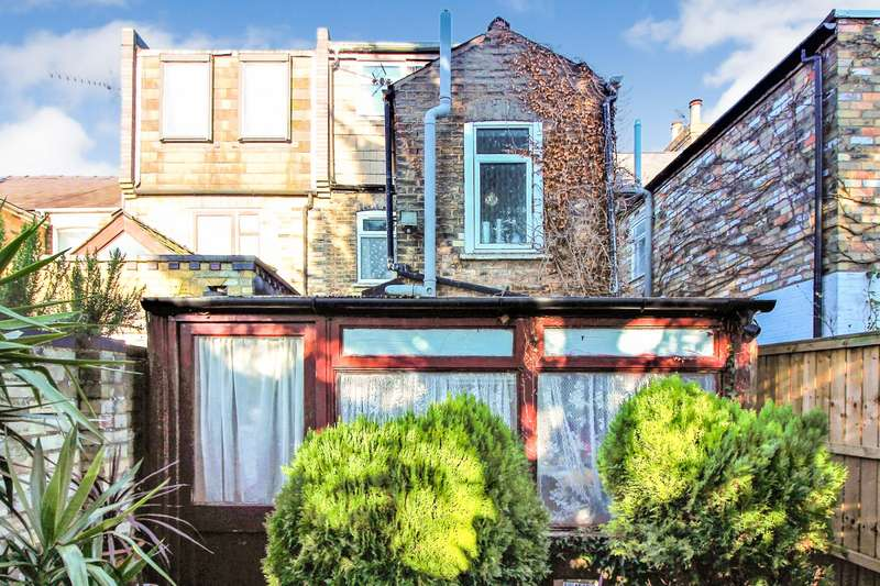 3 Bedrooms Terraced House for sale in Edward Street, Cambridge, CB1