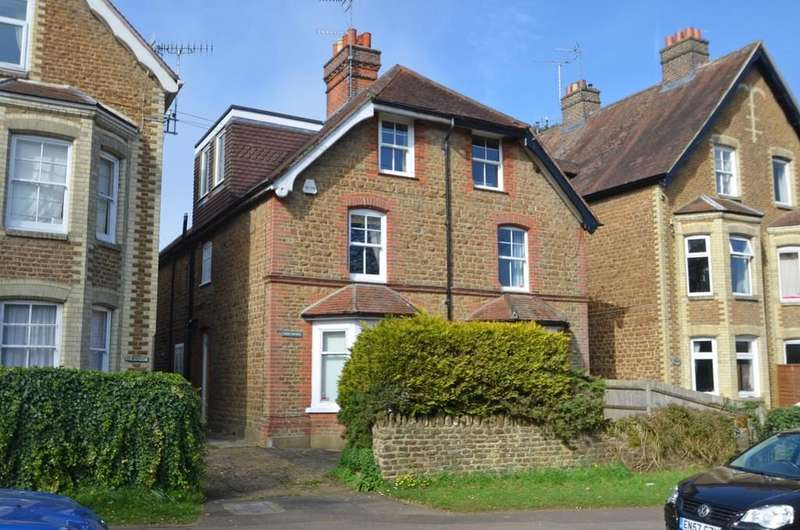 4 Bedrooms Semi Detached House for sale in Busbridge, Godalming