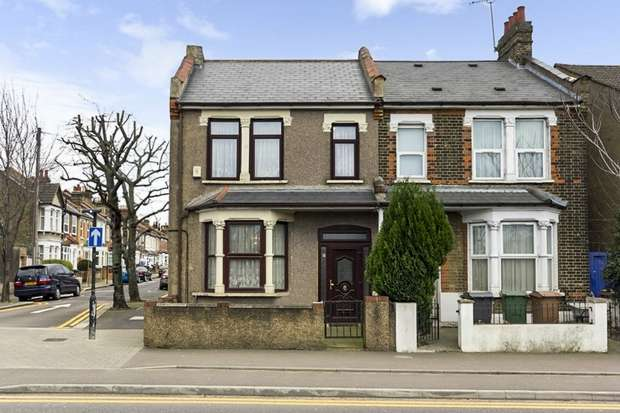 3 Bedrooms Semi Detached House for sale in Blackhorse Lane, London