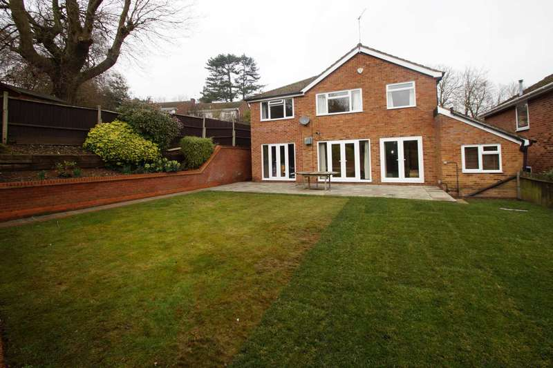 5 Bedrooms Detached House for rent in Woodland Place, Hemel Hempstead