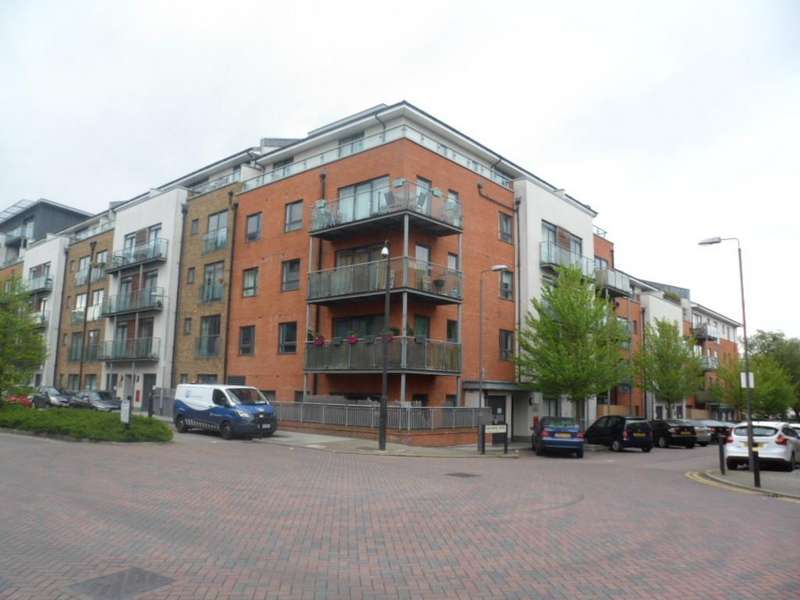 2 Bedrooms Flat for sale in ROSSE GARDENS, DESVIGNES DRIVE, HITHER GREEN, LONDON, SE13