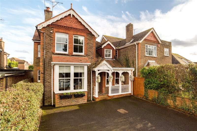 4 Bedrooms Detached House for sale in Rusper Road, Horsham, West Sussex, RH12