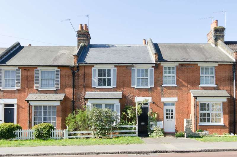 2 Bedrooms Terraced House for sale in Rickmansworth Road, Pinner, HA5