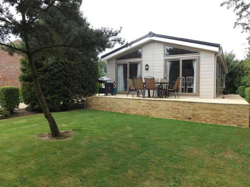 2 Bedrooms Mobile Home for sale in Moulton Eaugate
