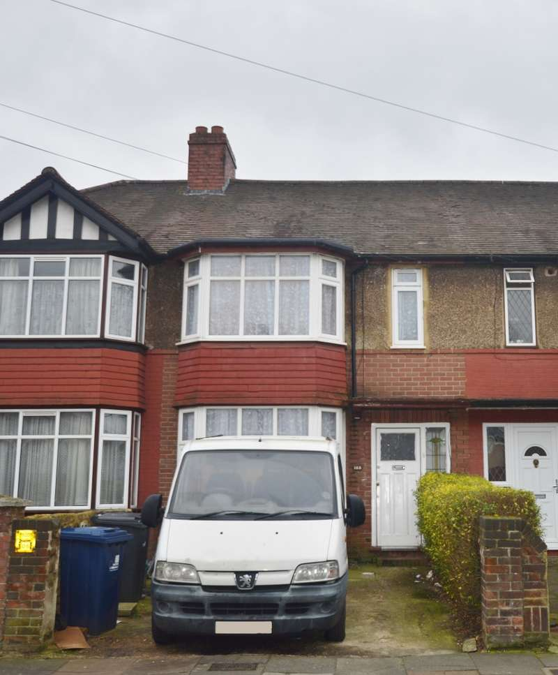 3 Bedrooms Terraced House for sale in Park Avenue, Southall, Middlesex, UB1 3AN