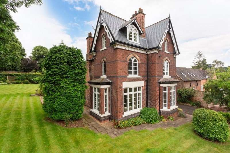 5 Bedrooms Detached House for sale in Cornmill Lane, Tutbury