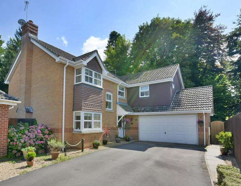 4 Bedrooms Detached House for sale in Dymewood Road, Three Legged Cross