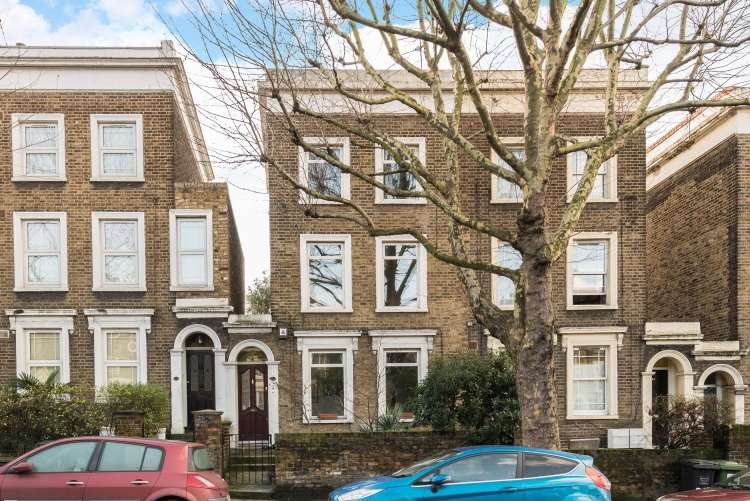3 Bedrooms House for sale in Amersham Road London SE14