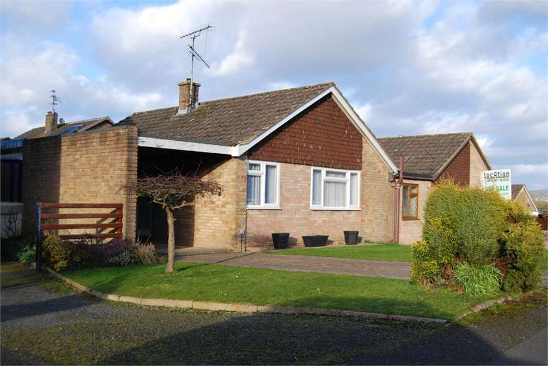 2 Bedrooms Detached Bungalow for sale in Elmlea Road, King's Stanley, Stonehouse, Glos